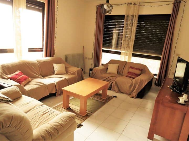 Comfy Bedroom, Central Location Walk Everywhere