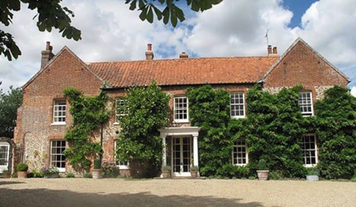 The Shepherds Rest, a peaceful stay at Stody Hall