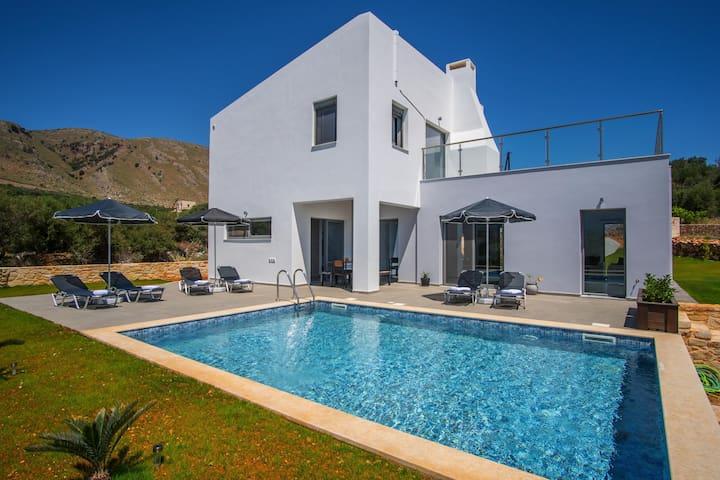 Αlen Villa...An exceptional pool Villa !