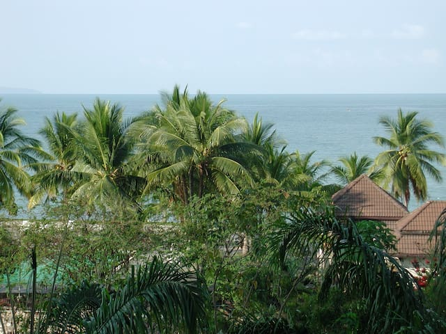 Pattaya Private Beach Suite for family, 2 bedrooms - Sattahip District  - Byt