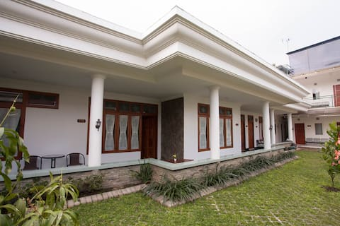 Griyo Sultan Agung Guesthouse