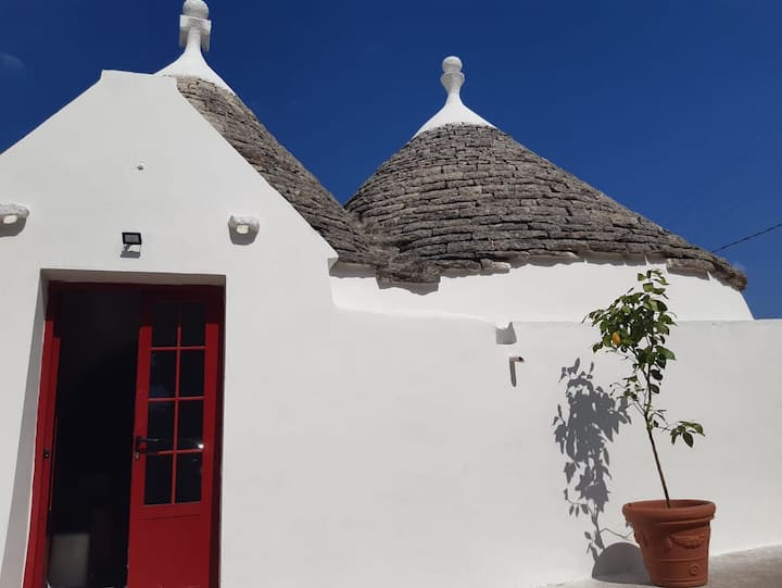 Romantic Trullo haven in tranquil Valle d'Itria