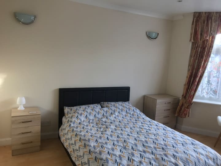 Double room 5 minutes walk from Barnehurst station