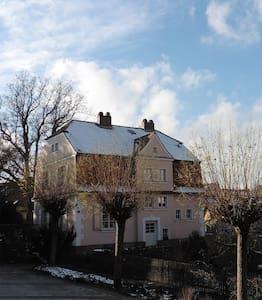 Stilvolle Villa von 1915 - 바이로이트 - 별장/타운하우스