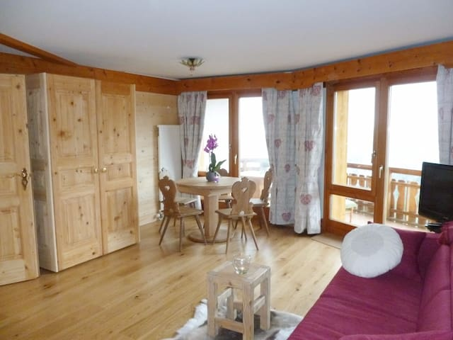 Relax in Villars with view, spa and nature! - Ollon - Apartment