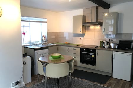 Modern One Bedroom Flat by the harbour - Bristol