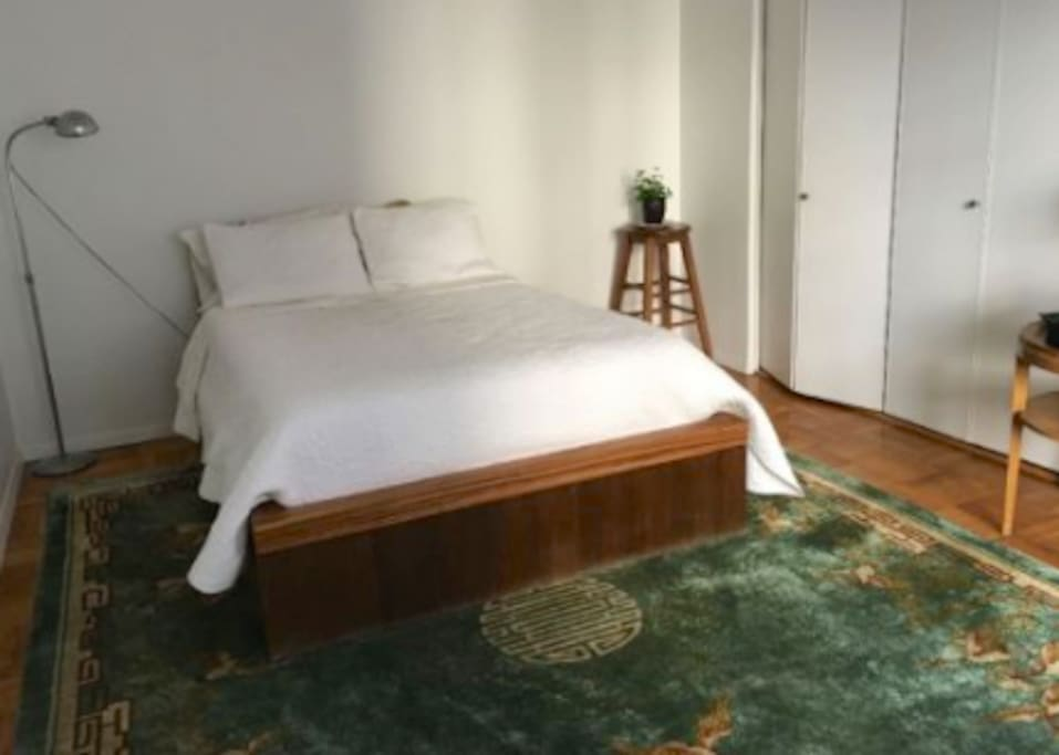 Extra firm full size bed. Large silk carpet.