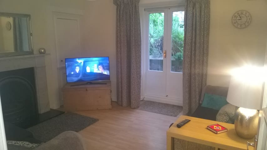 Well located garden flat, Edinburgh - Edinburgh - Apartment