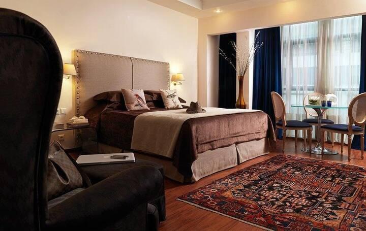 Best Western Plus Embassy Hotel Triple room