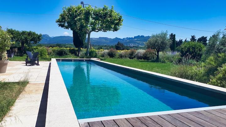 Charmante maison au calme avec couloir de nage