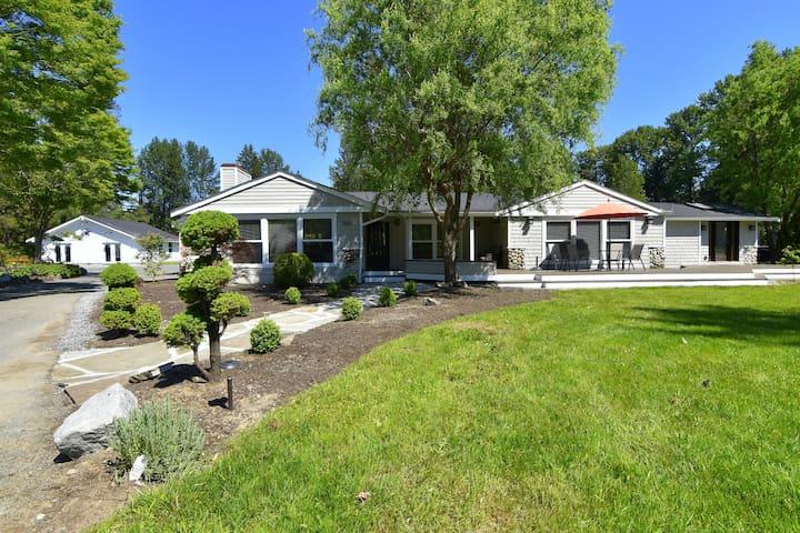 One of a Kind! Modern Farmhouse Estate Paradise