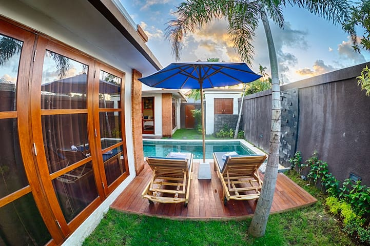 SEMINYAK NEW!! 2 Bedroom Private Pool Villa