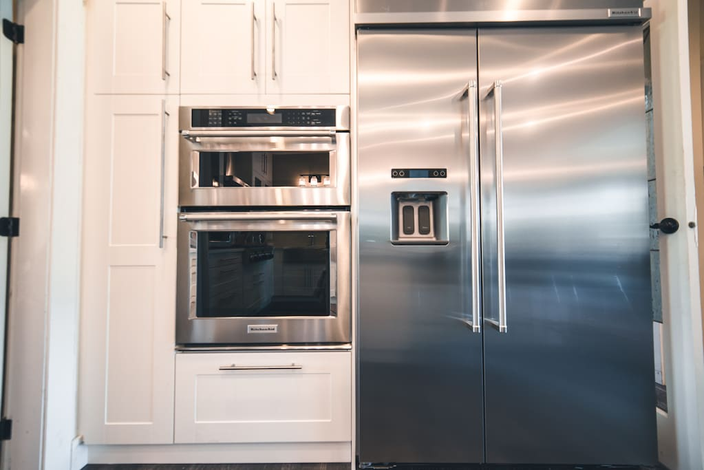 Wall Oven/Microwave & Professional refrigerator.