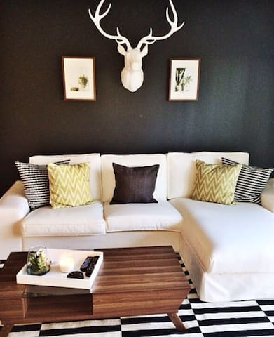 Cozy, Clean, and Comfortable! - Newport Beach - Apartmen