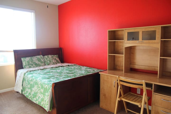 Private and spacious room. - Clovis - Casa