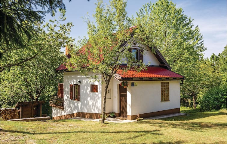 Holiday cottage with 2 bedrooms on 70 m² in Skrad