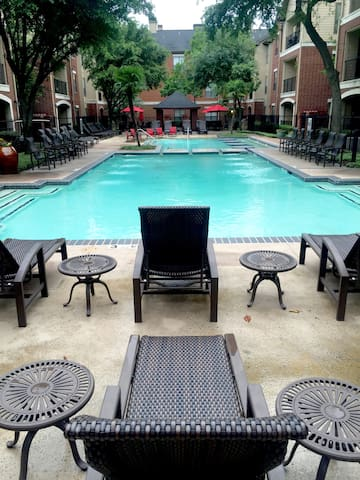 Best Location in Dallas! Free Parking + Pool