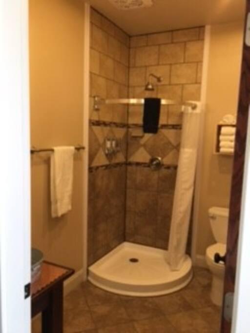 NEW Custom Tile Bathrooms