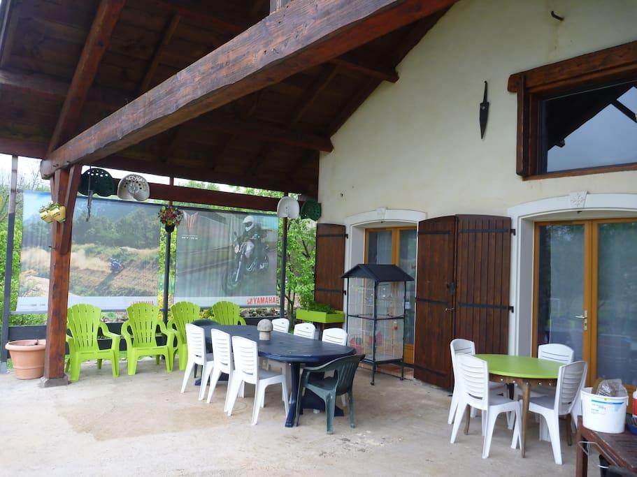 terrasse plein sud et couverte