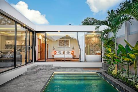 Pearl of Bali Villa in the Center of Oberoi