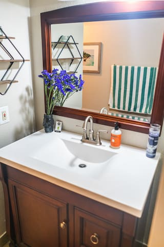 Look a sink! (your private bath)