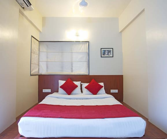 Independent Studio 1BD +AC+WIFI+BF in Pune