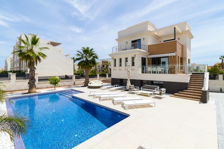 Villa Ara, ny luksusvilla til leie, La Zenia