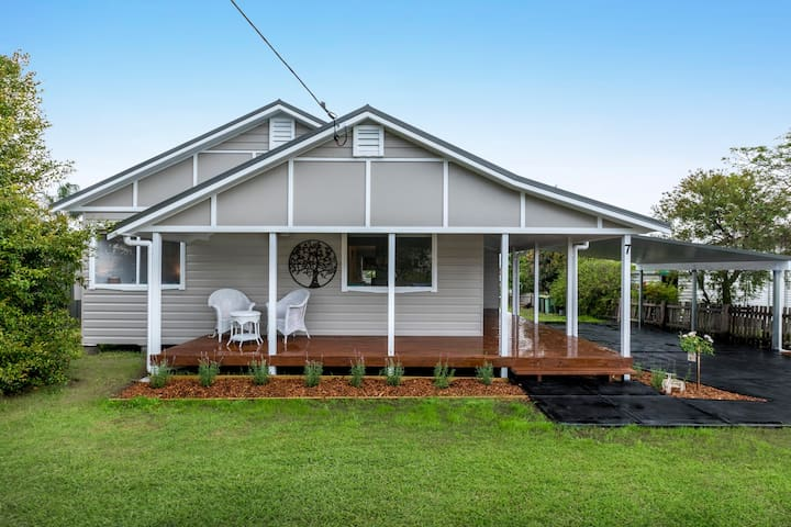 """Mayfield Cottage"" at the  Hunter Valley"