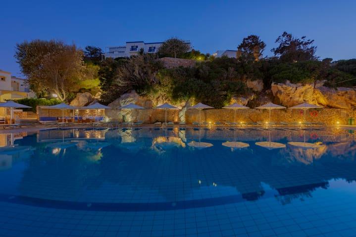 Deluxe VIP Sea View Apartment
