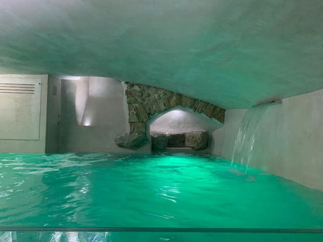 """New Duomo """"suite"""" Moro with private pool,wi-fi,A/C"""