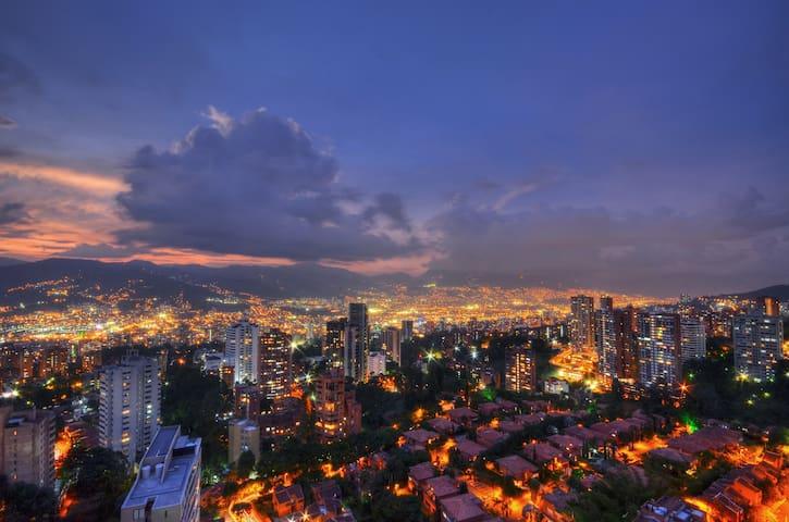 Guidebook for Medellín (Laureles)