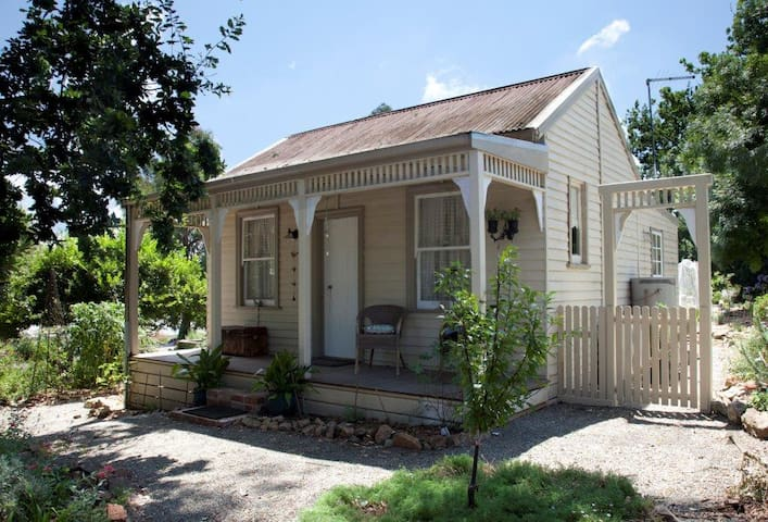 Bertha's Cottage - Warrandyte