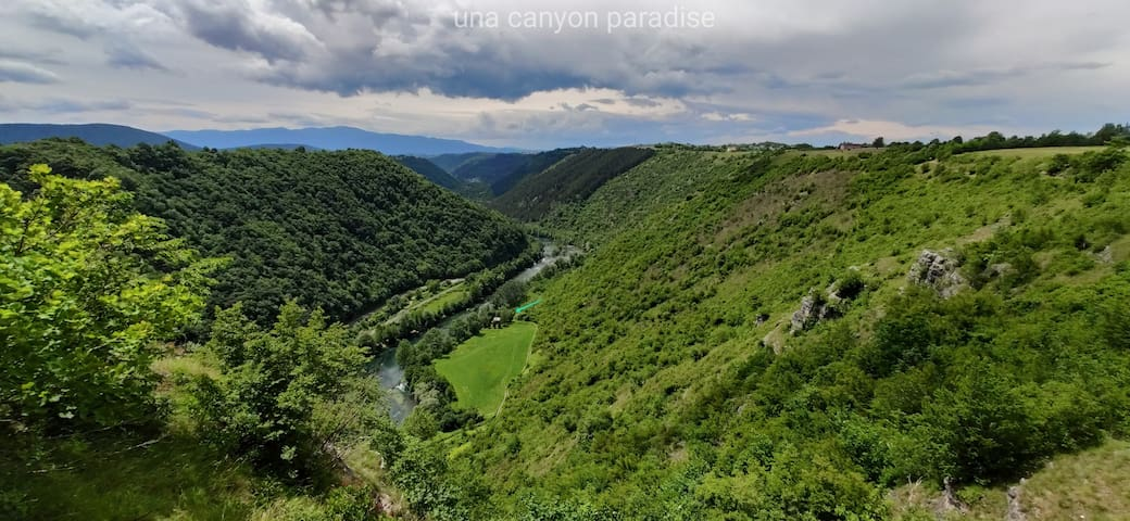 UNA CANYON PARADISE