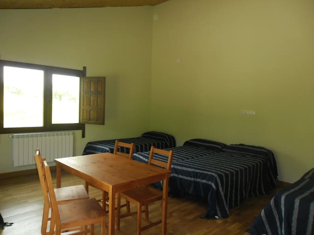 Habitación para familia con derecho a cocina - Ilzarbe - Dom