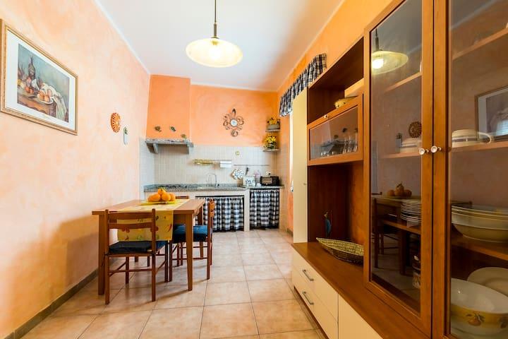 CASA DEL POZZO, cozy flat - Portoscuso - Appartement