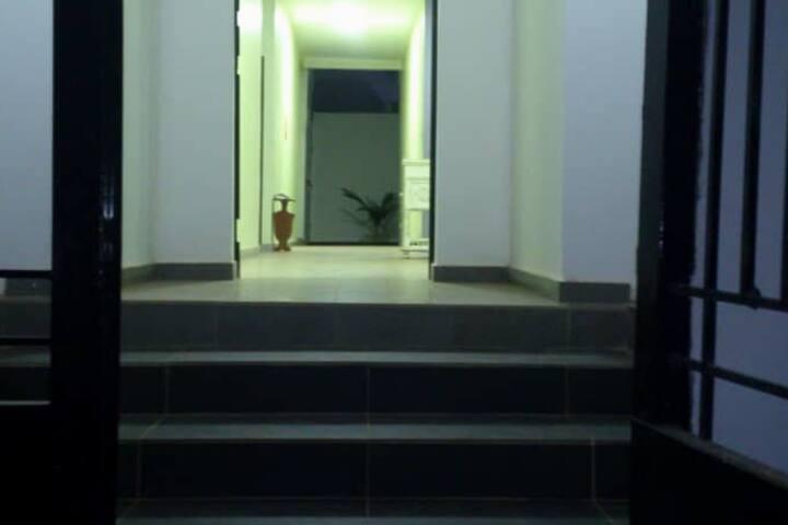Appartement meublé. Chambre +salon +salle de bains
