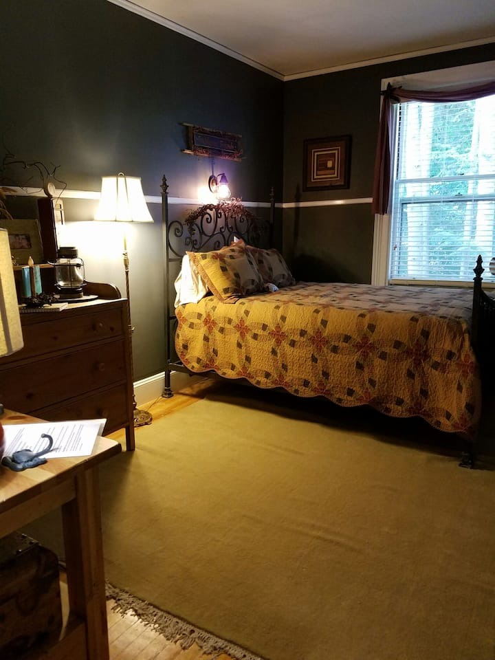 Charming Perkins House Vintage Room