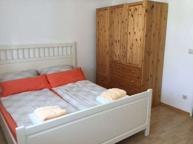 Zimmer zu vermieten - Zorneding - Casa