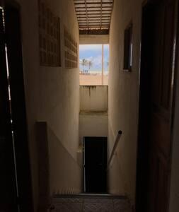Apartamento à menos de 150m da Orla da Caueira.