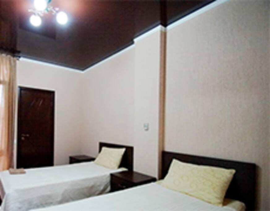 Комната с двумя кроватями