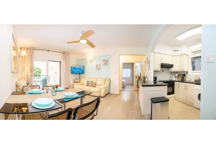 Dalia Seaside 2 Bedroom Apartment Pool & Garden