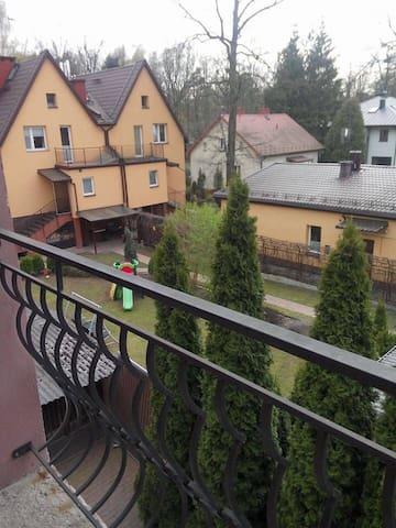 Сдаются комнаты в доме - Warszawa - House