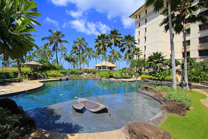 Beautiful 2 Bedroom, 2 Bath Beach-Front Resort Style Condo - Kapolei