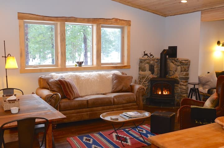 Goat Peak Loft-Located in Mazama, Near Ski Trail!