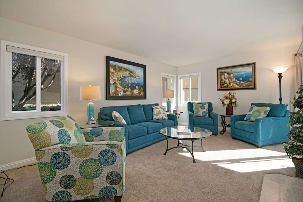Living room with comfortable seating for six