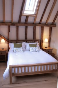 The Willow Room, Whitehill Barn - Welwyn - Bed & Breakfast