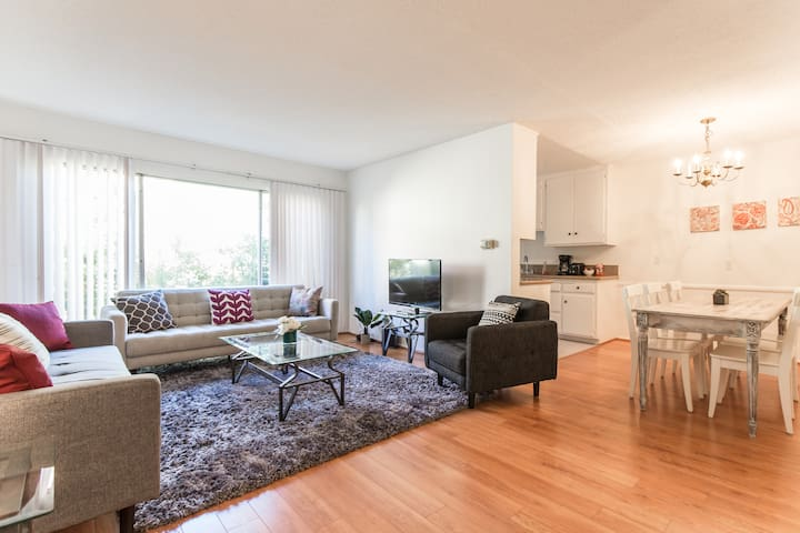 Amazing 2 Bedroom In The Heart Of West Hollywood Apartments For Rent In West Hollywood