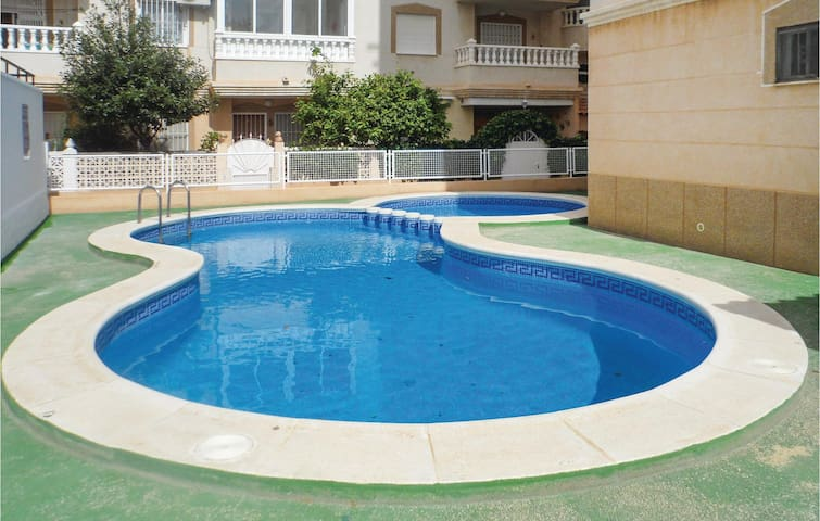 Holiday apartment with 2 bedrooms on 62m² in Torrevieja