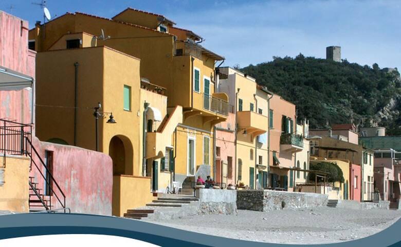 casa vacanza varigotti - Varigotti - Apartment
