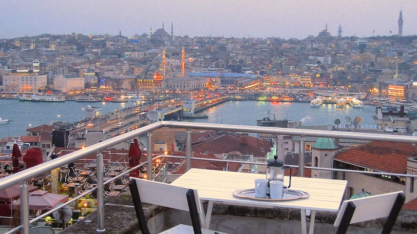 Cosy charm, fabulous terrace views! - Istanbul - Apartment